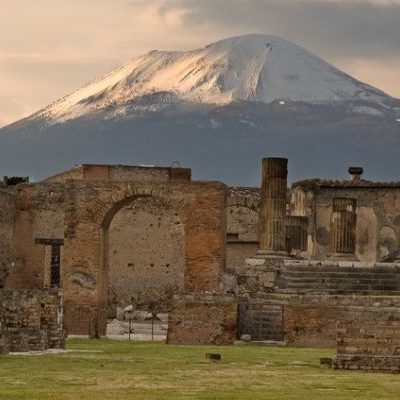 NAPLES AND POMPEII full day tour from Rome (P30)